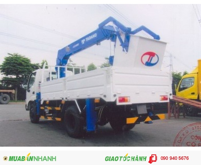 Xe tải hino gắn cẩu ZE295 2,8 tấn mới 100% thích hợp chạy trong thành phố