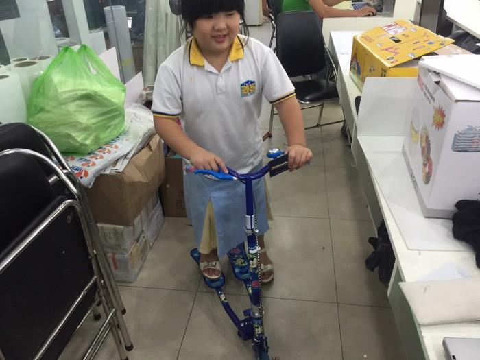 Xe trượt Scooter 2 bàn đứng cho bé