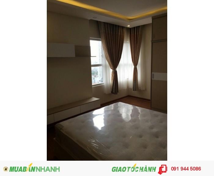 Cho thuê giá hữu nghị căn hộ cao cấp Sunrise City Q.7, 3PN, 125m2, giá 1100$, lầu cao, căn góc
