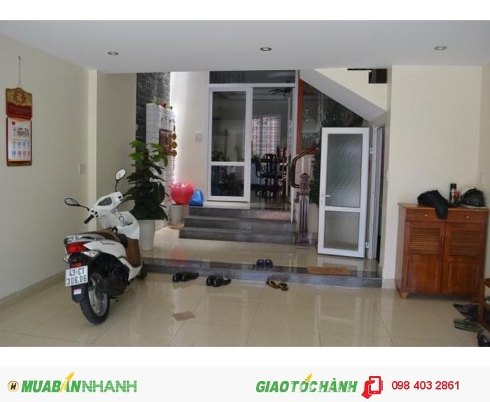 Cần bán nhà hẻm Nguyễn Đình Chiểu, P.5, Q.3, DT 4X11 (44m2). Giá: 2.75 tỷ.