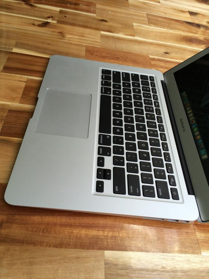 Macbook air 2011, i7, 4G, 256G, 13.3in, zin100%, giá rẻ