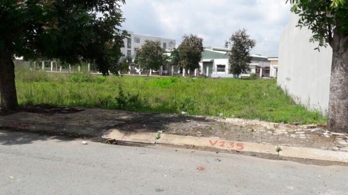Mua đất tặng sh, ngay trung tâm thị trấn bến lức, chỉ 386tr/100m2, shr sang tên trong ngày