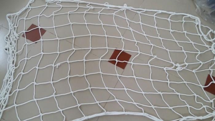 Lưới an toàn dù trắng chống người rơi ở công trình, lưới dù bao hàng hóa, lưới dù tổng hợp an toàn bảo hộ lao động