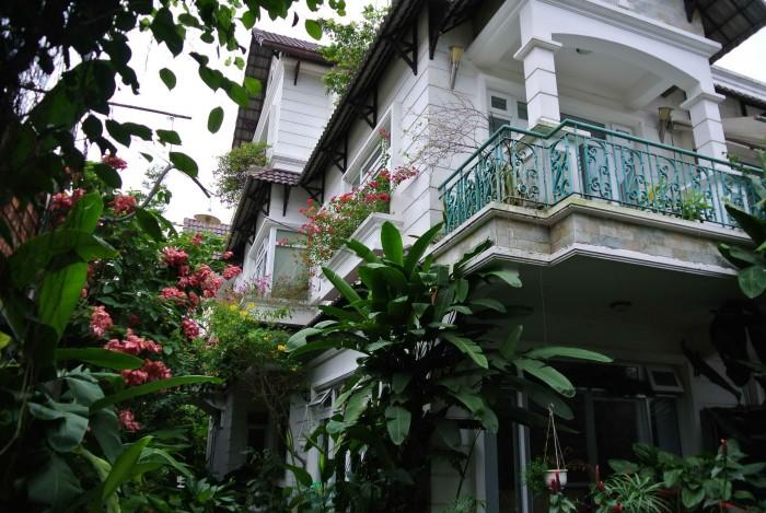 Bán villa Phap quan 9
