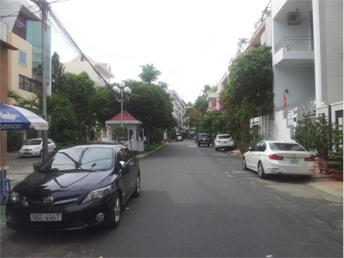 Nhà đường 7m ÚT TỊCH, P4,  Q.Tân Bình, DT 4,5x19m. 9,5 tỷ