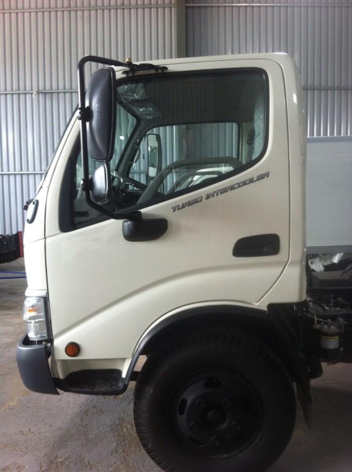 Hino Dutro 300 là dòng xe tải nhẹ 1