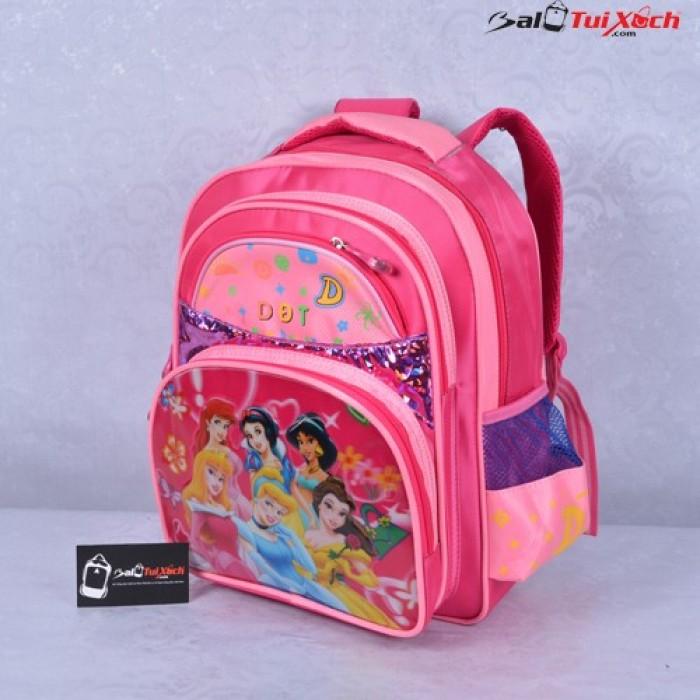 Mẫu balo học sinh hình công chúa cùng bé gái đến trường