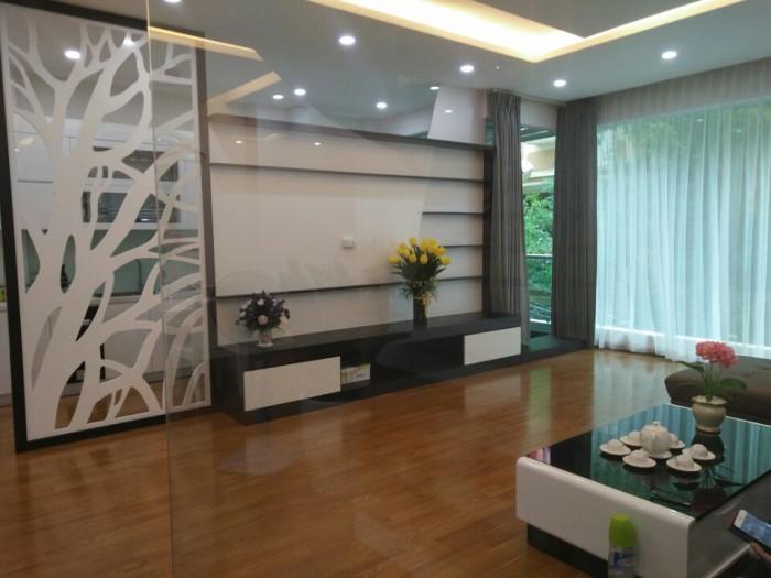 Bán nhà phân lô Huỳnh Thúc Kháng, Nguyên Hồng, Đống Đa 52m2 x5 tầng giá 10.9 tỷ