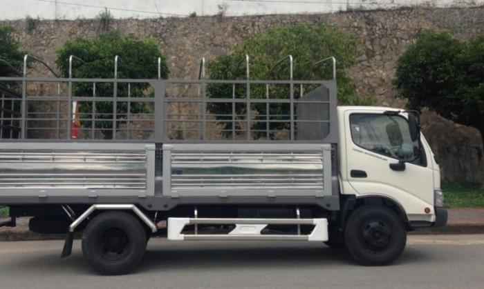 Bán xe tải HINO Thùng mui bạt nhập khẩu chính hãng giá tốt, xe tải HINO WU342L-130 5 tấn
