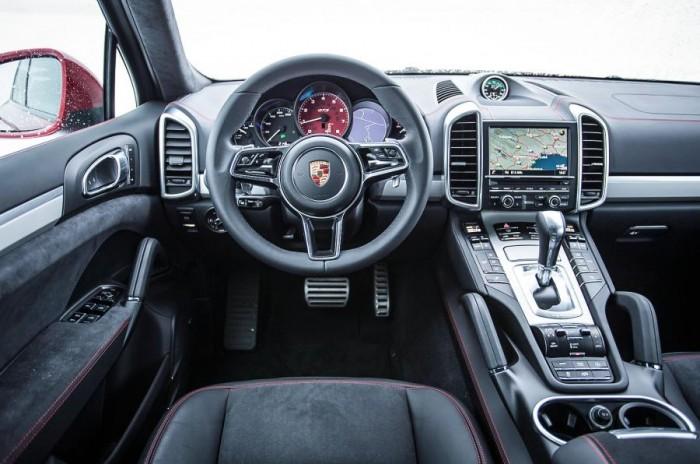 Cho thuê xe du lịch, thuê xe tháng Porsche Cayenne Turbo S