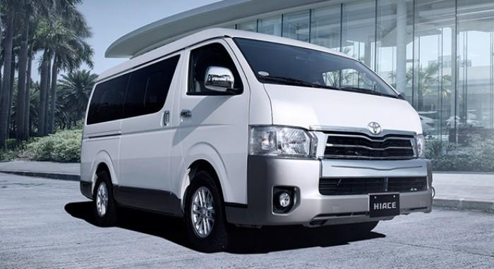 Khuyến mại cực hấp dẫn, mua xe HIACE tặng tiền mặt, phụ kiện chính hãng giá trị cao tại Toyota Hà Đông
