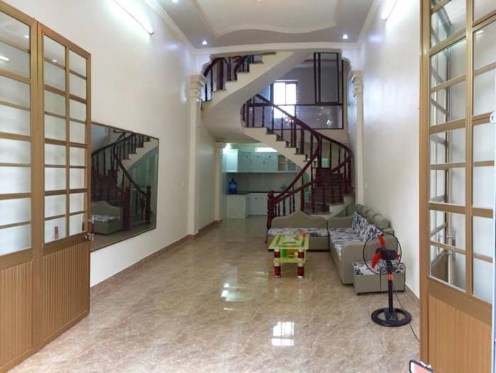 Nhà 3,5 tầng x 45m2, trong ngõ nông đường Đồng Thiện, hướng Tây Nam. Chỉ 1.08 tỷ
