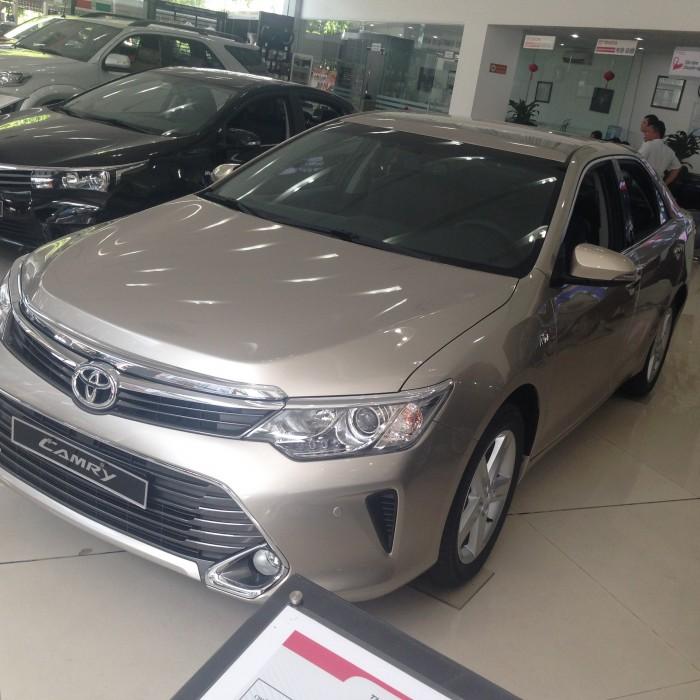 Toyota Camry 2.5Q - 2016 siêu khuyến mại tặng ngay 80% giá trị thuế trước bạ và nhiều yếu tố bất ngờ khác