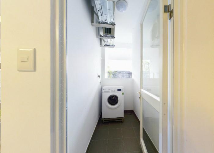 Chính chủ cần bán gấp căn hộ Masteri, căn góc, 3PN, DT 94m2, giá 3,4 tỉ. View đẹp