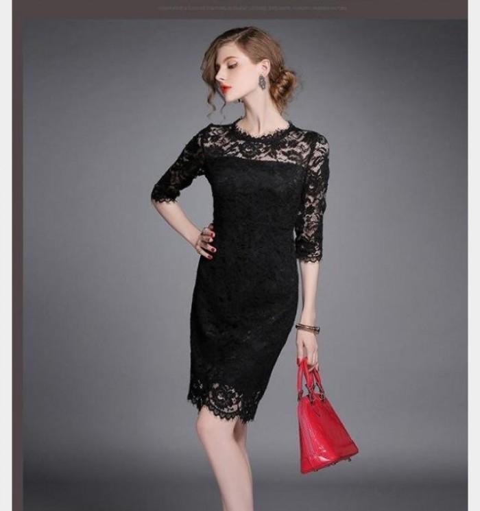 Đầm body ren đen, quý phái sang trọng