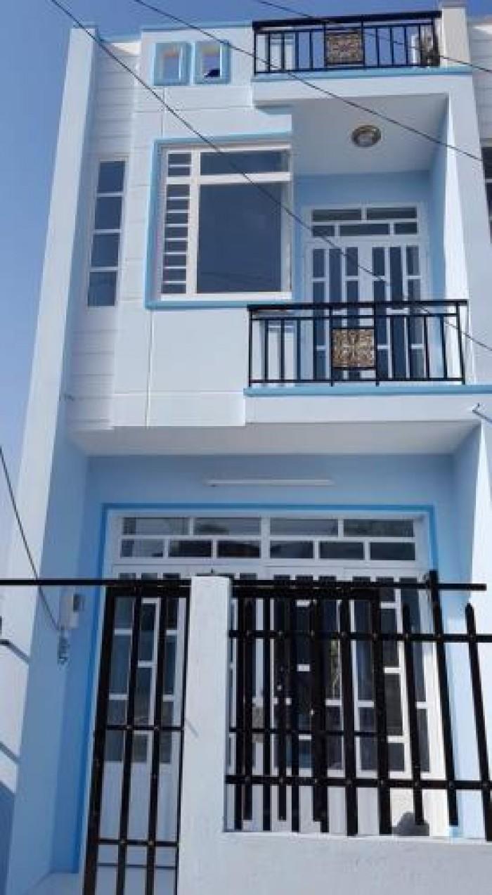 Cần bán nhà mới xây 1 trệt 1 lầu, trên quốc lộ 50 diện tích 4,6x18m