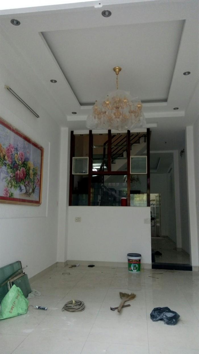 Bán gấp nhà mặt tiền đường số, F. Tân Quy, Quận 7  Diện tích: 168 m2