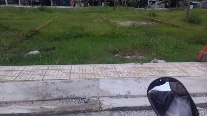 Bán đất xây nhà trọ giá 4tr/m2 DT 1186m2 đường NGÔ CHÍ QUỐC