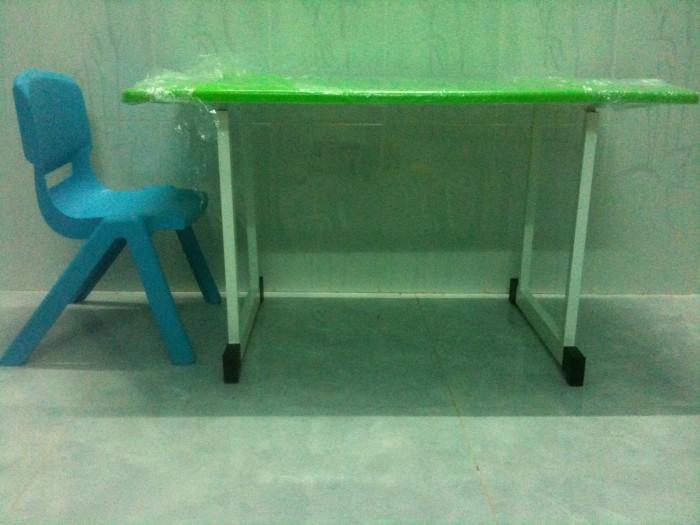 Bàn nhựa đúc chân gập Kích thước : 90cmx48cmx55cm Màu xanh lá, xanh dương2