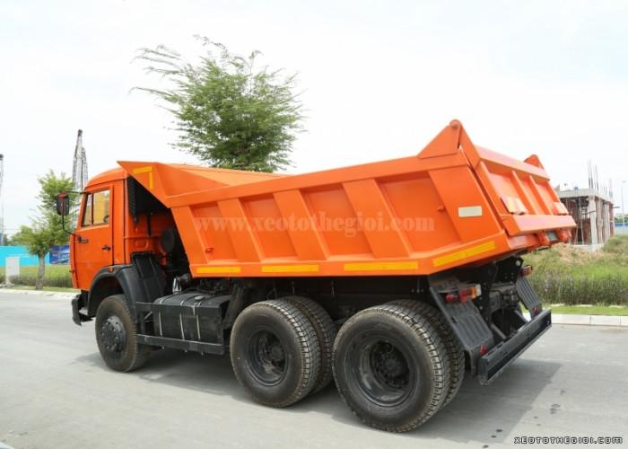 Xe tải tự đổ Kamaz 55111 11m3 (khối) 6x4 thùng dài 5.7m nhập khẩu Nga