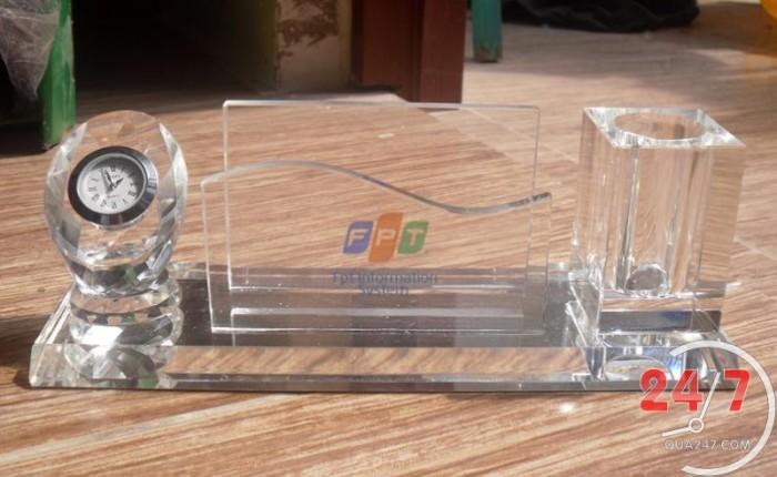 Quà tặng pha lê để bàn quà tặng cao cấp và sang trọng in logo công ty chuyên số lượng lớn0
