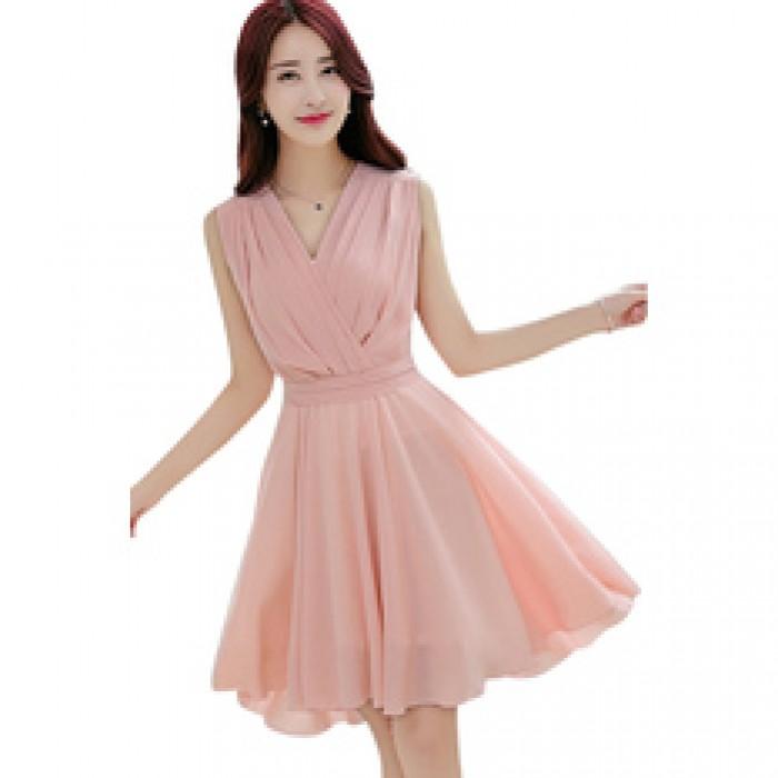 Đầm váy thời trang, chất liệu nhẹ nhàng