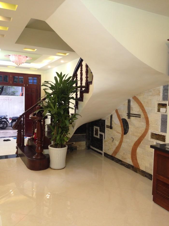Nhà ngõ 58 Nguyễn Khánh Toàn,DT 40m2 x 5tầng.Giá 3.65 tỷ.