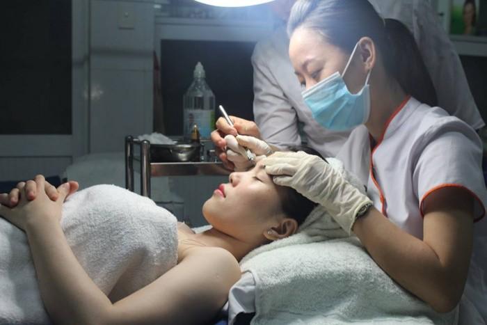 Lăn kim điều trị sẹo rỗ se khít chân lông bằng tinh chất purifiant  tây ban nha1