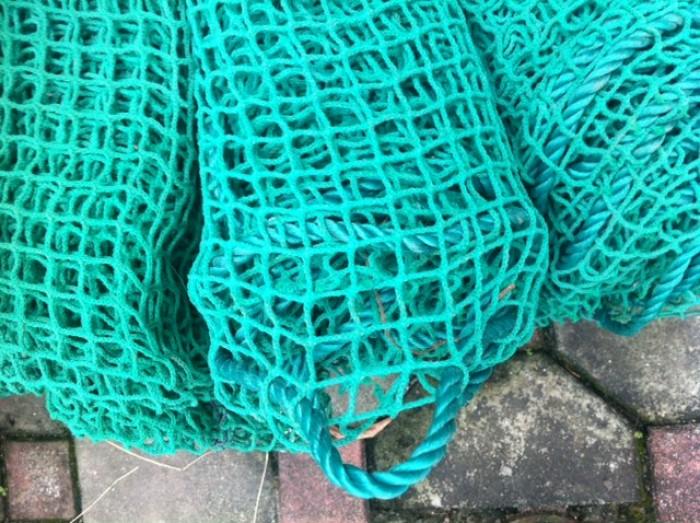 Cung ứng lưới an toàn bảo hộ lao động, lưới bao che sợi nhựa dẻo bền, lưới dù