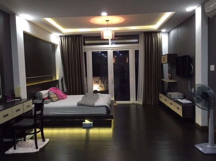 Vỡ nợ về quê bán gấp nhà đẹp Đường Lê Hồng Phong ,Q10