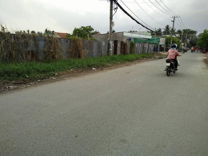Đất Măt tiền đường 10m gần cầu Phú Long gần sông Sài Gòn DT 9000 m2 giá 2 triệu m2