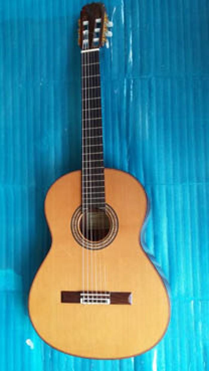 Guitar Matsouka M 85 có EQ