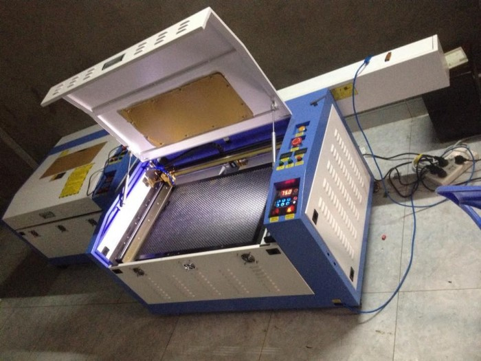 Máy laser 6040, máy cắt mica, cắt da, cắt vải…