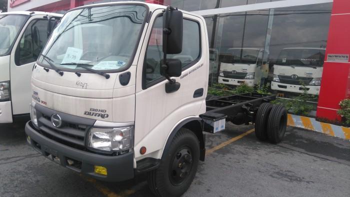 Hino Seri 300 nhập khẩu nguyên chiếc từ Indonesia