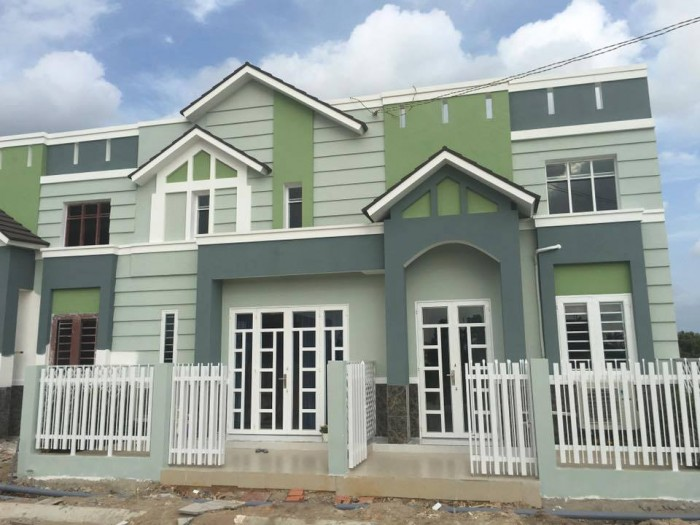 Nhà mặt phố, sổ hồng riêng, hạ tầng đẹp, khu dân cư an ninh, 682 triệu.