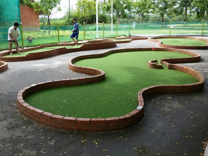 Thi công thảm chơi golf, green golf trong nhà, sân vườn