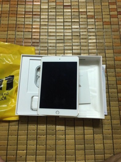 Ipad mini 4 wifi, gold, 16gb, mua ngày 24/9