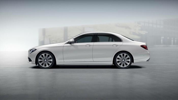 Mercedes-Benz E200 sản xuất năm 2016 Số tự động Động cơ Xăng