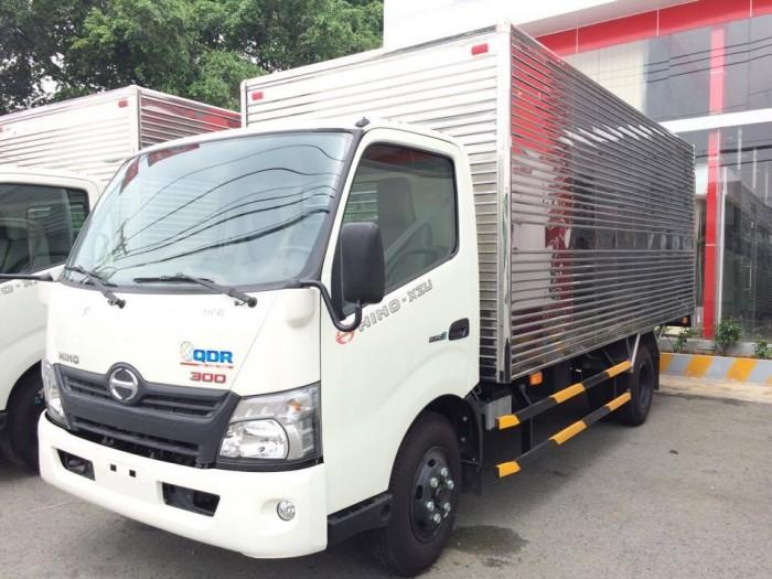 Xe tải Hino XZU-720 3.7 tấn thùng kín, giá ưu đãi