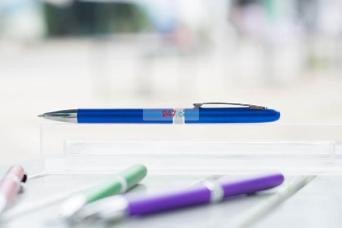 Bút bi 22 in logo công ty nhiều màu sắc đa dạng giá rẻ