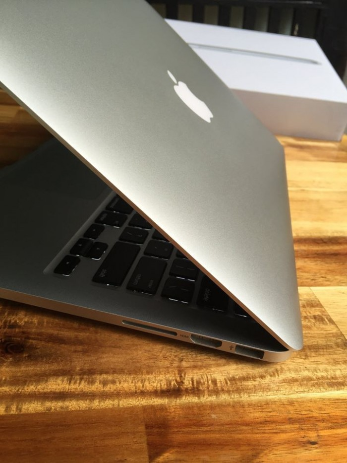 Laptop Macbook pro ME865 | webcam, usb 3.0....