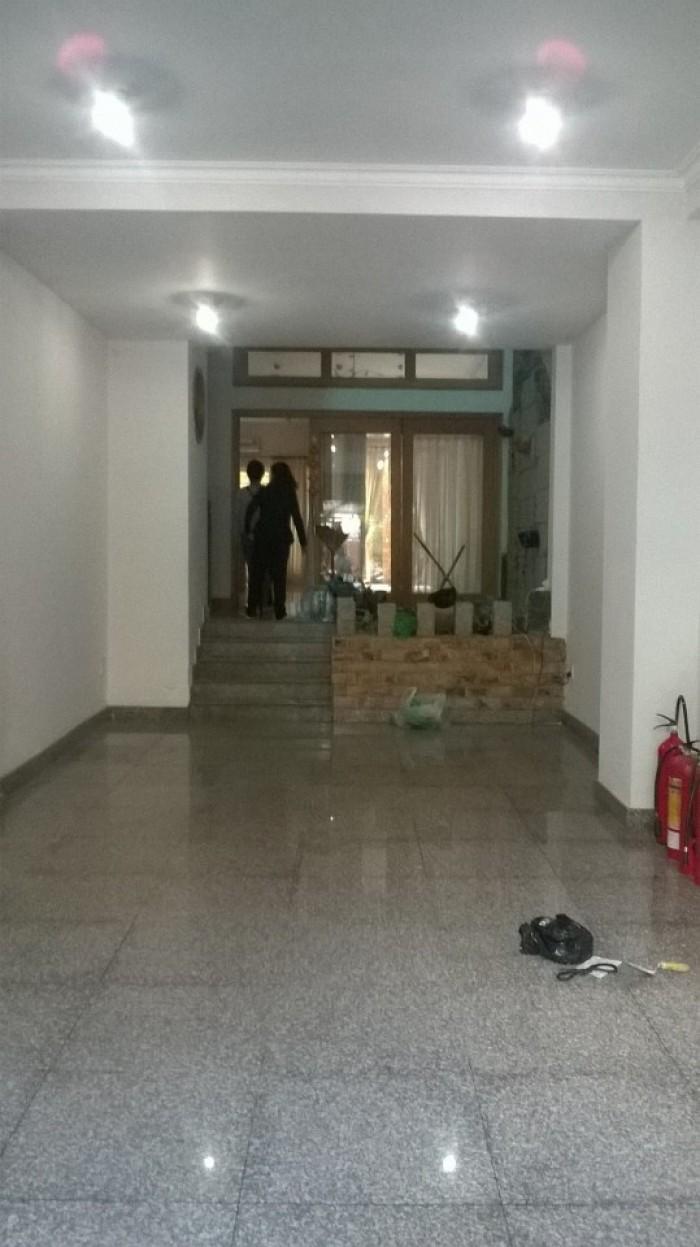 Cho thuê gấp căn nhà mặt tiền Phạm Cự Lượng, 3 lầu, nhà đẹp, nở hậu 6m, gần sân bay TSN