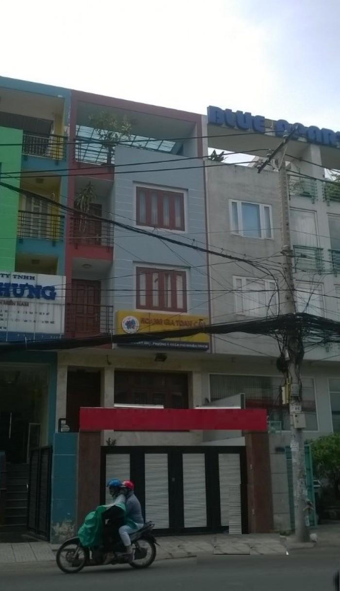 Cho thuê nhà MT đường Phan Bội Châu, 1 trệt 2 lầu, 4 phòng, dt 4,5x22m