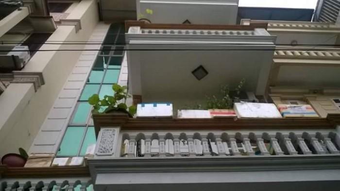 Bán nhà mặt phố Nguyễn Đình Thi DT 34m2 x 4 tầng. Giá chỉ 13 tỷ.