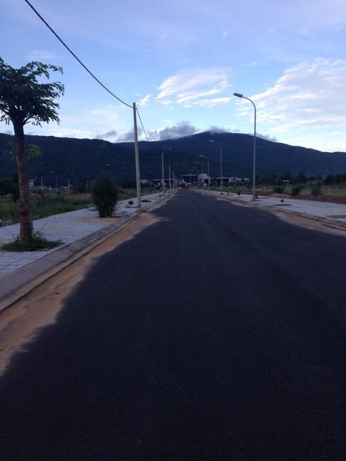 Bán 3 lô đất mặt tiền đường Trần Sâm và Nguyễn Hữu An