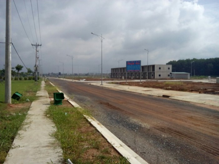 Bán đất 2 mặt tiền đường 62m,100-150-200-300m2,chính chủ giá rẻ,thổ cư 100%,Thành Phố Mới BD