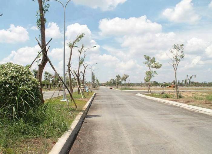 Đất MT quôc lộ 1A,ngay trung tâm Bến Lức,60m2,SHR sang tên ngay,XDTD