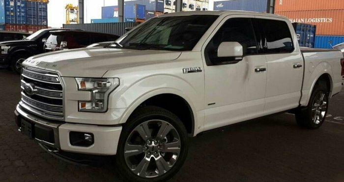 Ford F150 Limited 2016 nhập Mỹ, giao ngay. Màu trắng 3