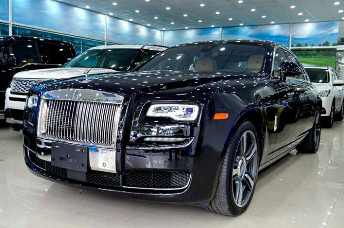 Rolls Royce Ghost 6.6L V12 Twin Turbo Model 2015 4