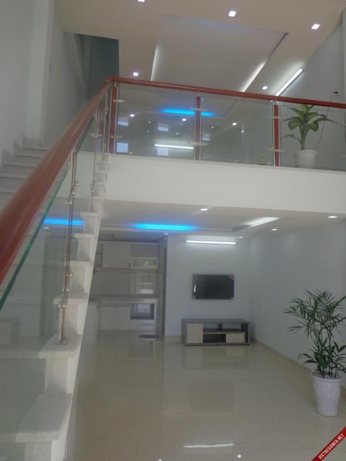 Bán nhà Võ Văn Tần, Quận 3. DT: 5m x 12m. Giá rẻ chỉ 5.25 tỷ.